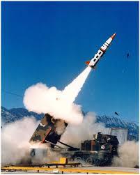 """منظومة الدفاع الجوي تعترض صاروخا """"بالستيا"""" بمأرب أطلقه الحوثيين"""