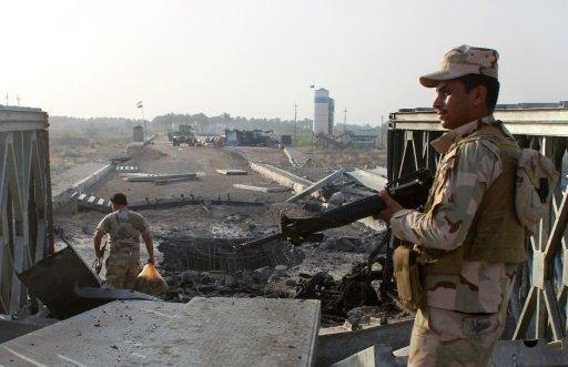 12 قتيلا في هجوم انتحاري في تكريت شمال بغداد