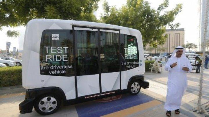تجريب أول حافلة بدون سائق تعمل بالطاقة الكهربائية في شوارع دبي