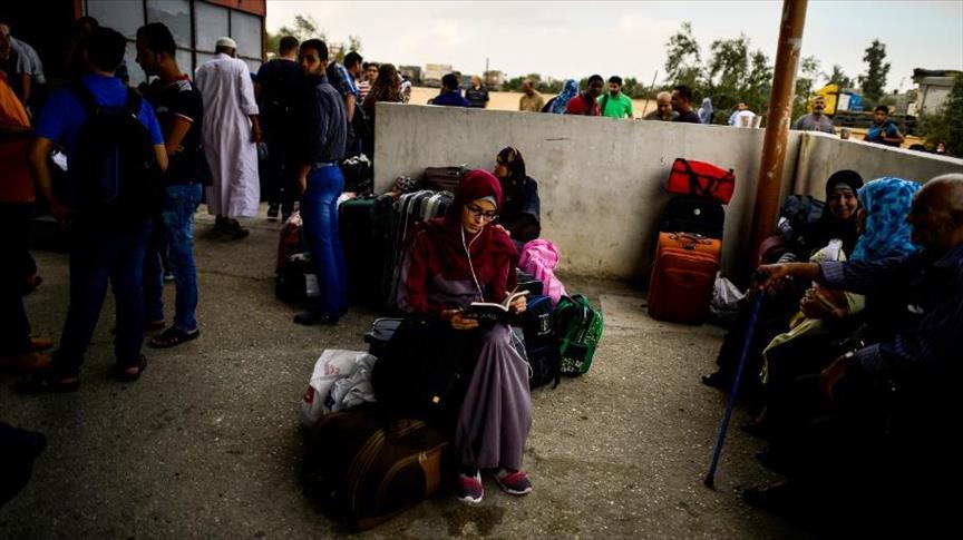 """السلطات المصرية تفتح معبر رفح لسفر """"الحالات الإنسانية"""""""