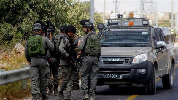 قوات الاحتلال الاسرائيلي تعتقل 21 فلسطينيًا بالضفة الغربية
