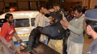 61 قتيلا في هجوم على كلية للشرطة في باكستان