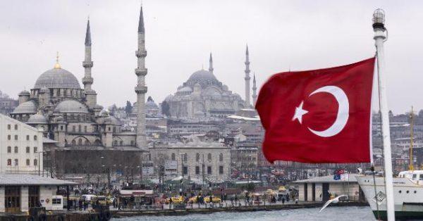 تركيا تستدعي السفير العراقي احتجاجًا على قرار برلمان بلاده