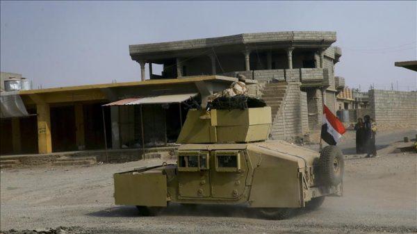 """مع قرب تحريرها.. """"دواعش"""" الموصل يتجرعون كأس الفرار الذي أسقوه لسكانها"""