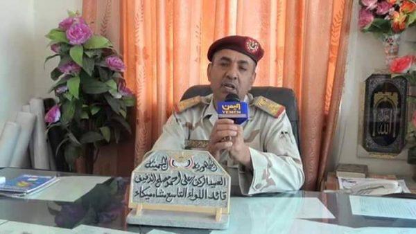 """الحوثييون ينهبون منزل """"قائد عسكري"""" موالي لصالح قتل بقصف القاعة الكبري بصنعاء"""
