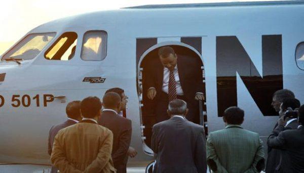 """""""ولد الشيخ"""" يصل صنعاء لمناقشة خطة السلام مع طرفي الانقلاب"""