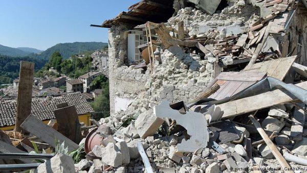 إيطاليا تتعرض لزالزل بلغت قوته 5ر6 درجات على مقياس ريختر