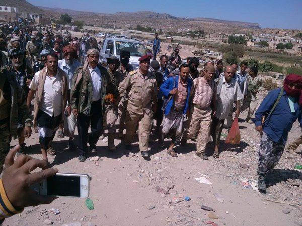 """الضالع: وصول قافله غذائية من أبناء """"الشعيب"""" لدعم الجيش والمقاومة في جبهة """"مريس"""""""