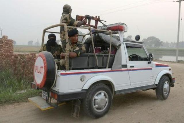 تبادل جديد لاطلاق النار في كشمير وبان كي مون يعرض القيام بمساع حميدة