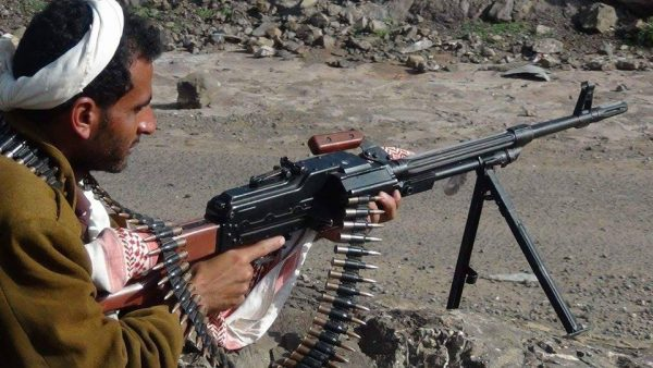 إب: الجيش الوطني يدمر طقم للمليشيات في بعدان وسقوط قتلى وجرحى