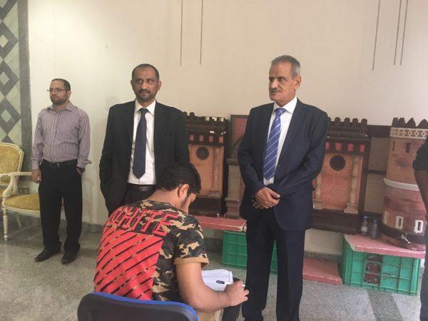 وزير التربية يطلع على سير امتحانات الشهادة العامة للطلاب اليمنيين النازحين في المملكة