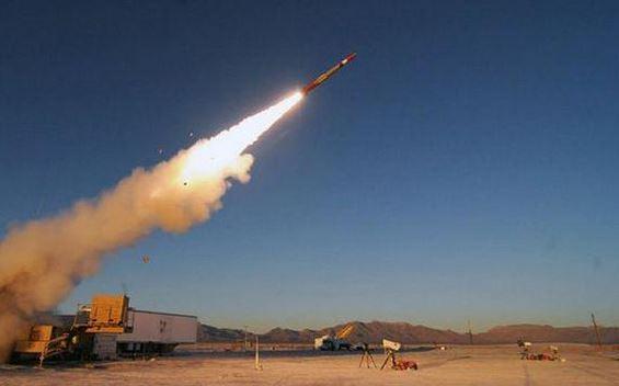 مارب: اعتراض ثلاثة صواريخ باليستيه اطلقتها المليشيا خلال الساعات الماضية على المدينة