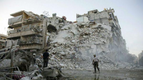 اشتباكات وقصف مدفعي متبادل في حلب رغم دخول التهدئة حيز التنفيذ