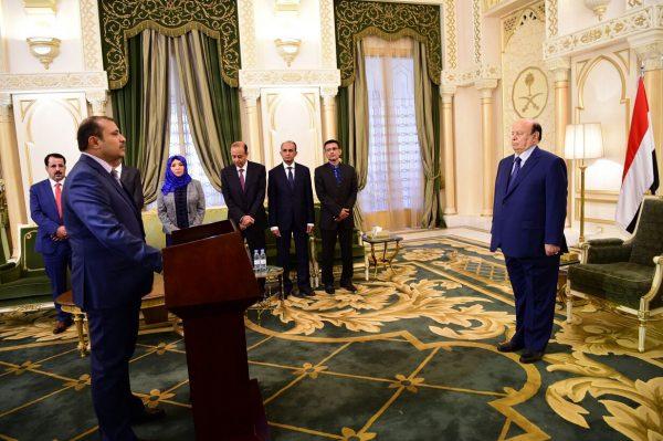 سبعة سفراء جدد يؤدون اليمين الدستورية أمام الرئيس هادي