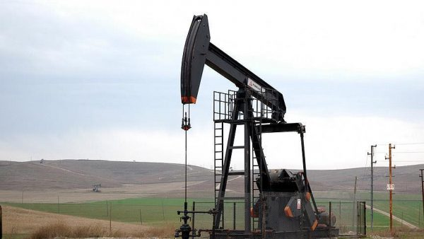 النفط يدفع اقتصادات الخليج لثورة إصلاحات غير مسبوقة في 2016