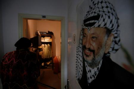 احتدام التوتر داخل القيادة الفلسطينية مع إحياء ذكرى وفاة عرفات