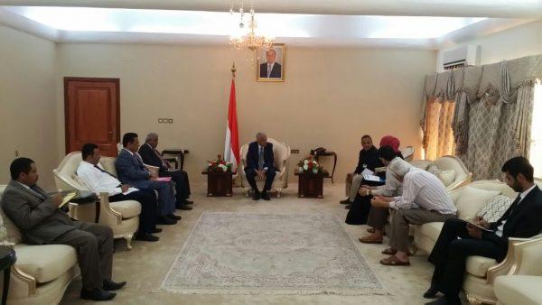 الحكومة توجه بتسهيل عمل المنظمات الانسانية العاملة في اليمن