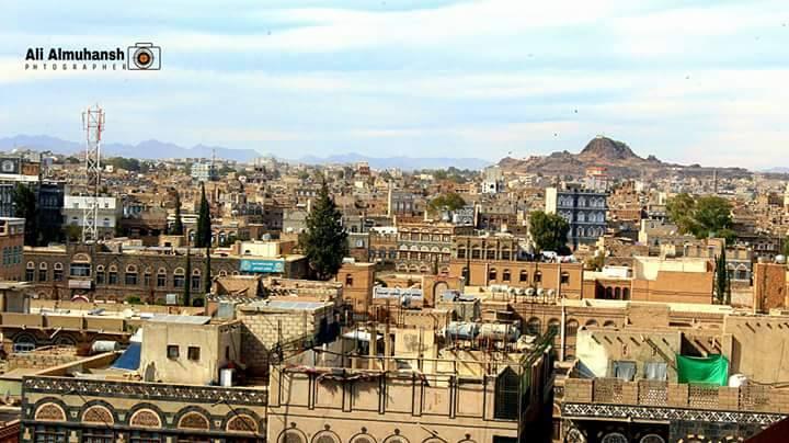 ذمار: الحوثيون ينهبون مستشفيات حكومية لإنشاء مستشفى ميداني خاص بهم بالمحافظة