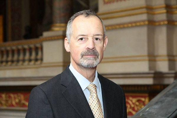 """السفير البريطاني: خطوات الحوثيين وصالح """"غير مقبولة"""" وستأخذ اليمن بعيداً عن السلام"""