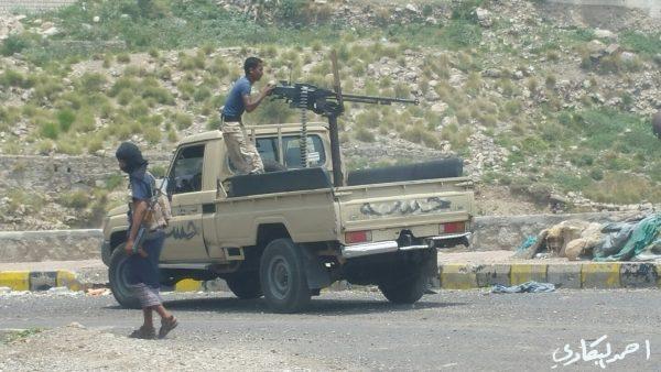 تعز: المقاومة تحرر مواقع جديدة جنوباً.. ومقتل وإصابة 21 انقلابيا بينهم قائد الميليشيات بالصلو