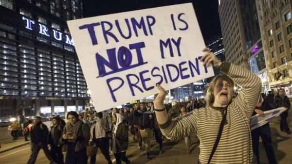 مظاهرات في عدة مدن أمريكية احتجاجا على فوز ترامب