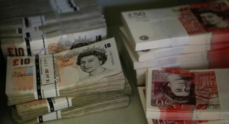 الإسترليني يتراجع مجددا أمام الدولار