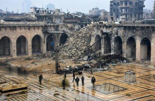 الحرب تمحو معالم المدينة القديمة في حلب السورية