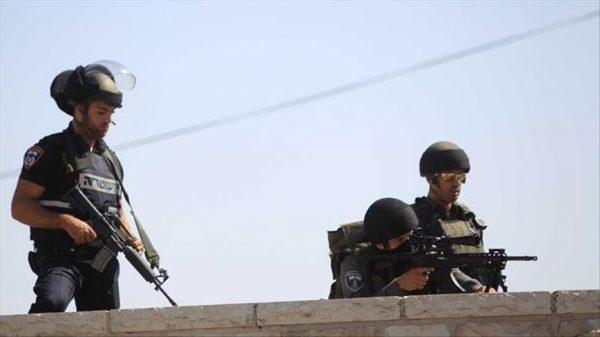 قوات إسرائيلية تقتحم بلدة شرق القدس وتعلنها منطقة عسكرية مغلقة