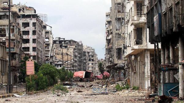 بعد تفريغ حلب.. قوات النظام تنهب بيوتها وتفرّغها من محتوياتها