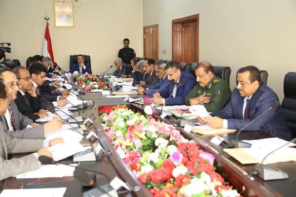 مصدر حكومي يمني يكشف حقيقة الأنباء بشأن تغيير وزاري