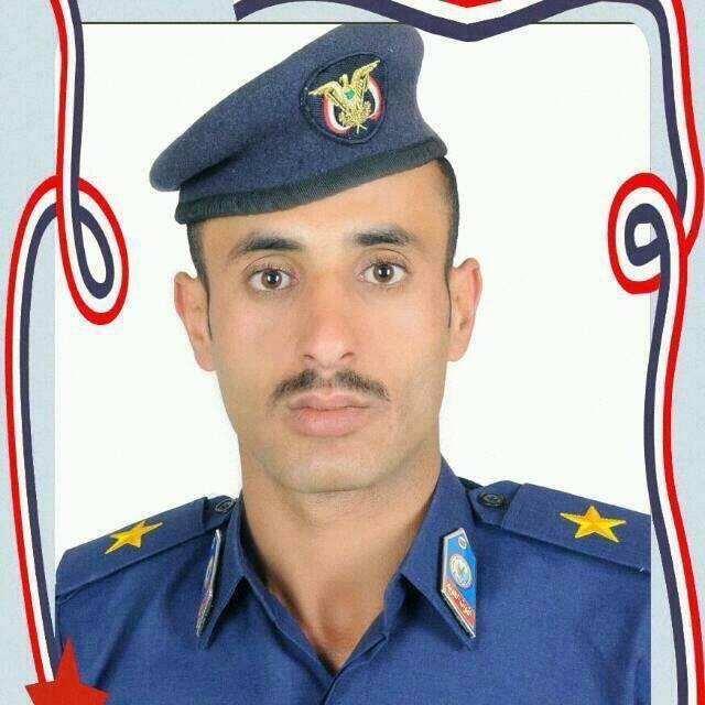 إب: مقتل ضابط في الجيش في إنفجار كسارة حجارة لجأ للعمل فيها بعد توقف راتبه