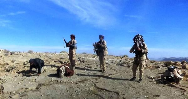 """الجيش يسيطر ناريا على أولى مناطق """"أرحب"""" شرق صنعاء"""
