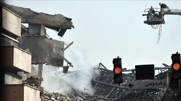 عشرات الضحايا في انهيار مبنى من 15 طابقا وسط طهران