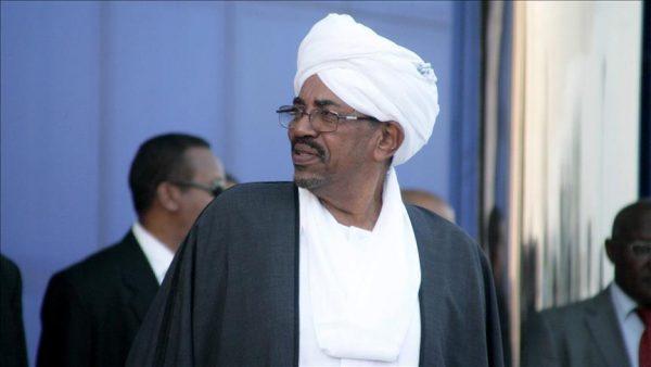 البشير يعلن ضبط عربات ومدرعات مصرية اثر المعارك الاخيرة في دارفور
