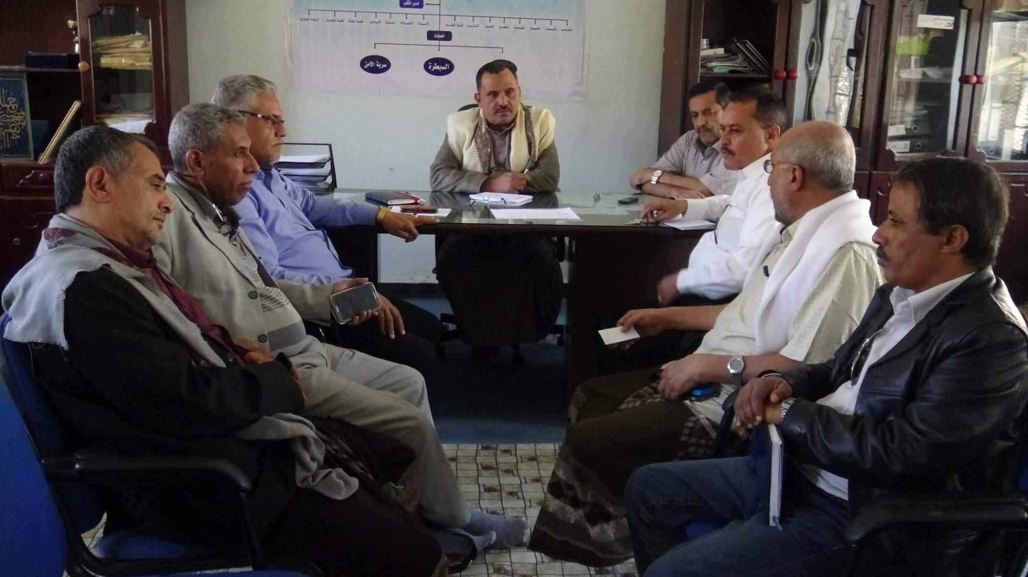 قائد محور تعز يلتقي أحزاب اللقاء المشترك بالمحافظة