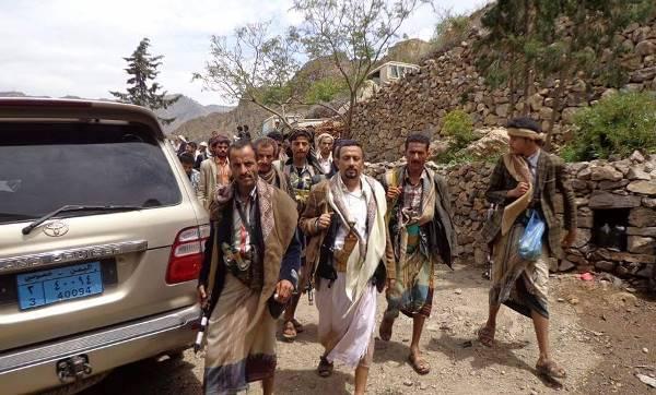 ذمار: مقتل وأسر 20 مسلحا حوثيا بينهم قيادي حوثي في عتمة