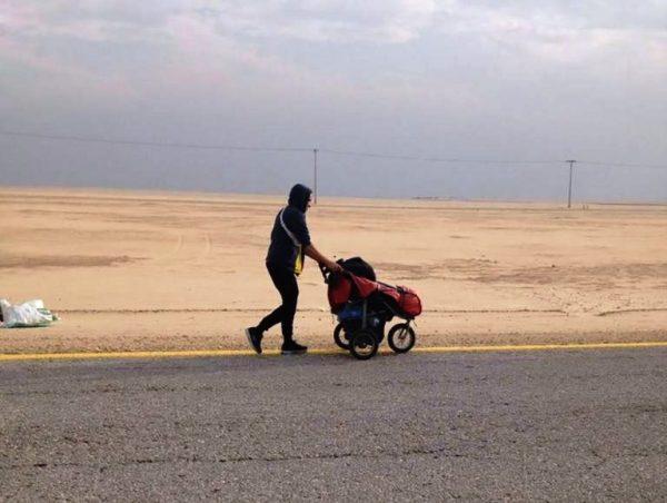 أسباني يقطع 7 آلاف كلم مشيا على الأقدام ليؤدي العمرة