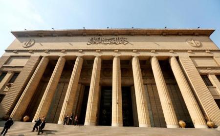 محكمة مصرية تقضي بسجن العادلي وزير الداخلية السابق في قضية فساد