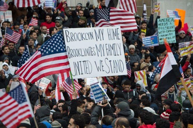 قاض أمريكي يعيق قرار ترامب بحظر السفر