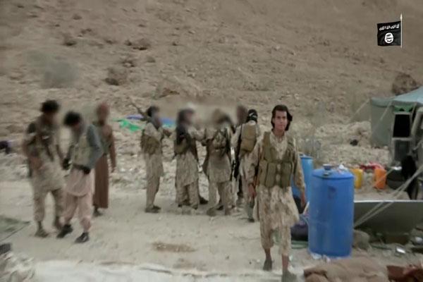 الجيش الأمريكي يعلن مقتل قيادي بالقاعدة واثنين آخرين في شبوة