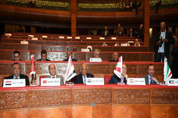 البرلمان العربي يؤكد تعامله مع مجلس النواب في عدن فقط