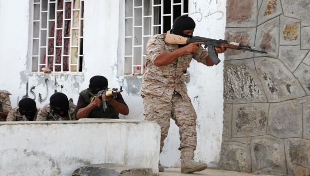 """عامان على اجتياح الحوثيين عدن: قوات الشرعية تتقدم شمالاً """"كيف تغيرت معادلة الحرب؟"""""""