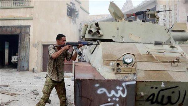 """ليبيا: قوات حفتر تعلن سيطرتها على منطقة """"العمارات 12"""" ببنغازي"""