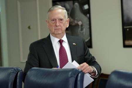 وزير الدفاع الأمريكي: يجب التصدي لنفوذ إيران بالتوصل لحل سياسي في اليمن