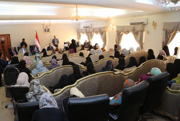 بن دغر: اتخذنا عدد من الإجراءات اللازمة لتوفير الكهرباء في عدن خلال الصيف