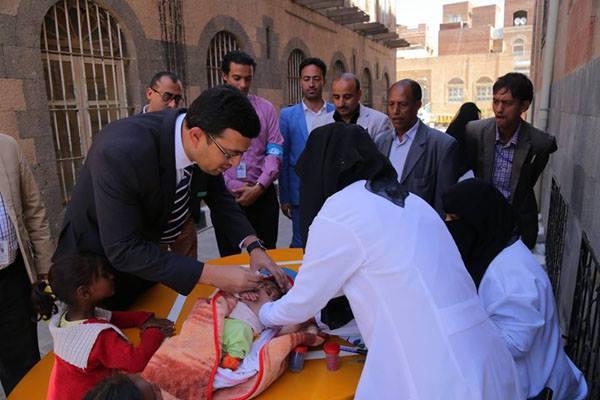 اليونيسف تعلن تطعيم 5 ملايين طفل يمني وتتخوف من عودة شلل الأطفال
