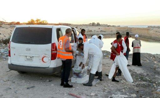 فقدان نحو 100 مهاجر بعد غرق قاربهم قبالة السواحل الليبية