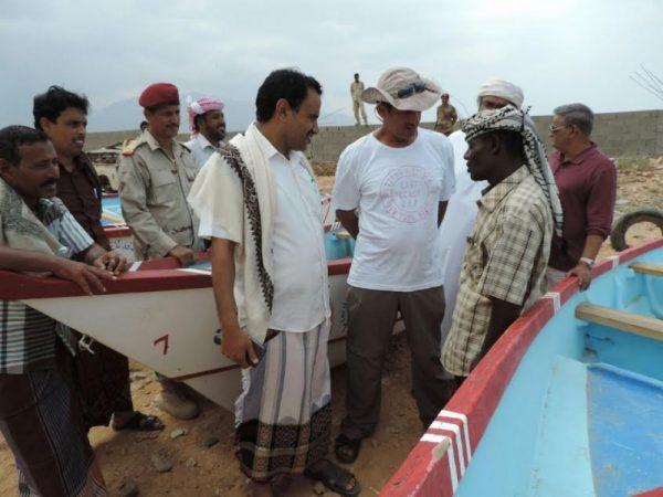 سقطرى: توزيع 24 قارب صيد للمتضررين من الأعاصير