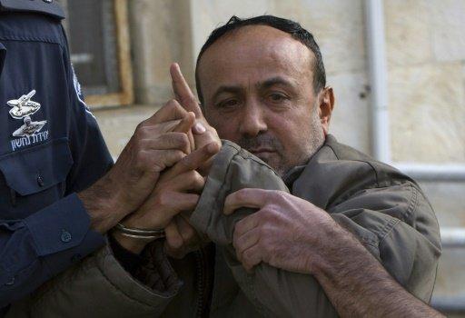 الاحتلال يمنع أي اتصال مع المعتقلين الفلسطينيين المضربين عن الطعام