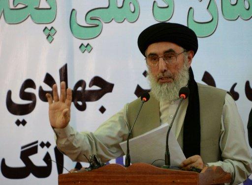 الزعيم الأفغاني حكمتيار يعود للحياة السياسية في افغانستان ويدعو طالبان الى السلام